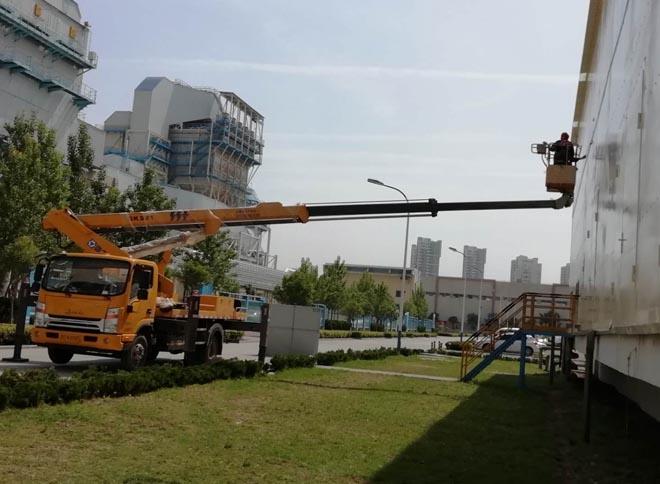 两台32米高空作业平台助力某电厂设备安